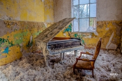 Lonely Piano in Lost Places
